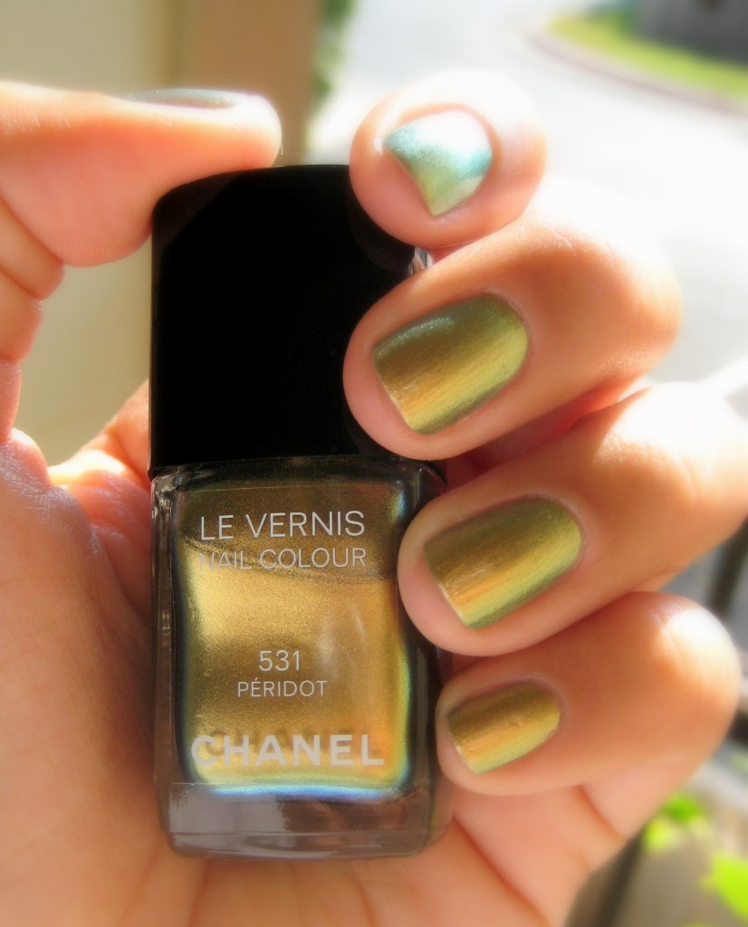 Jenn wearing Chanel Peridot nail polish