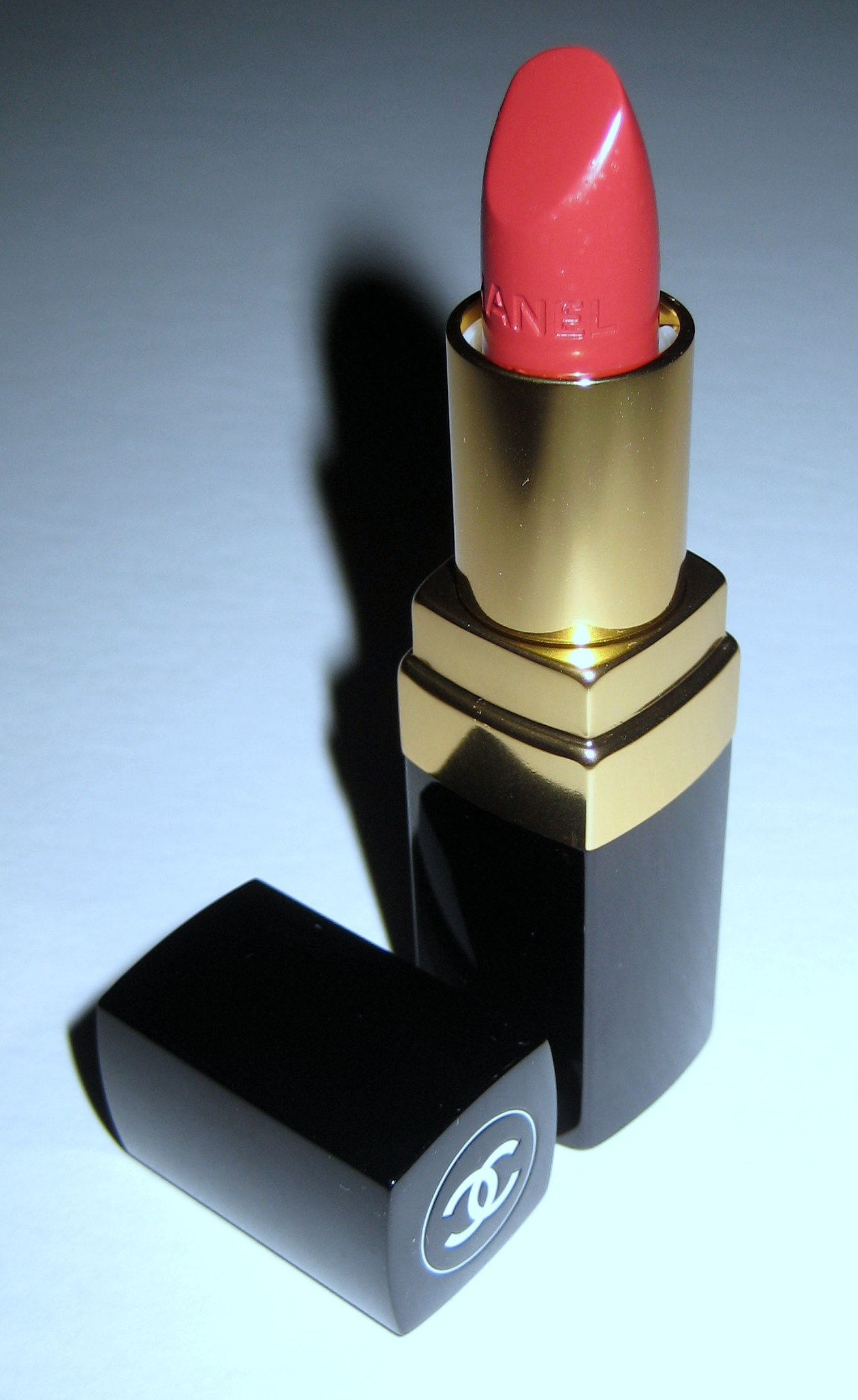 Chanel Rouge Coco in Vendome, open tube
