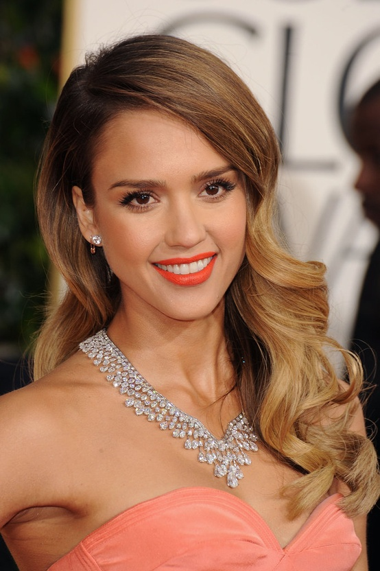 Jessica Alba wearing Harry Winston necklace at the 2013 Golden Globes