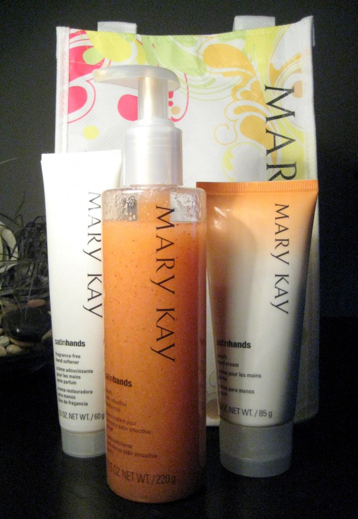 Mary Kay Peach Satin Hands Pampering Kit