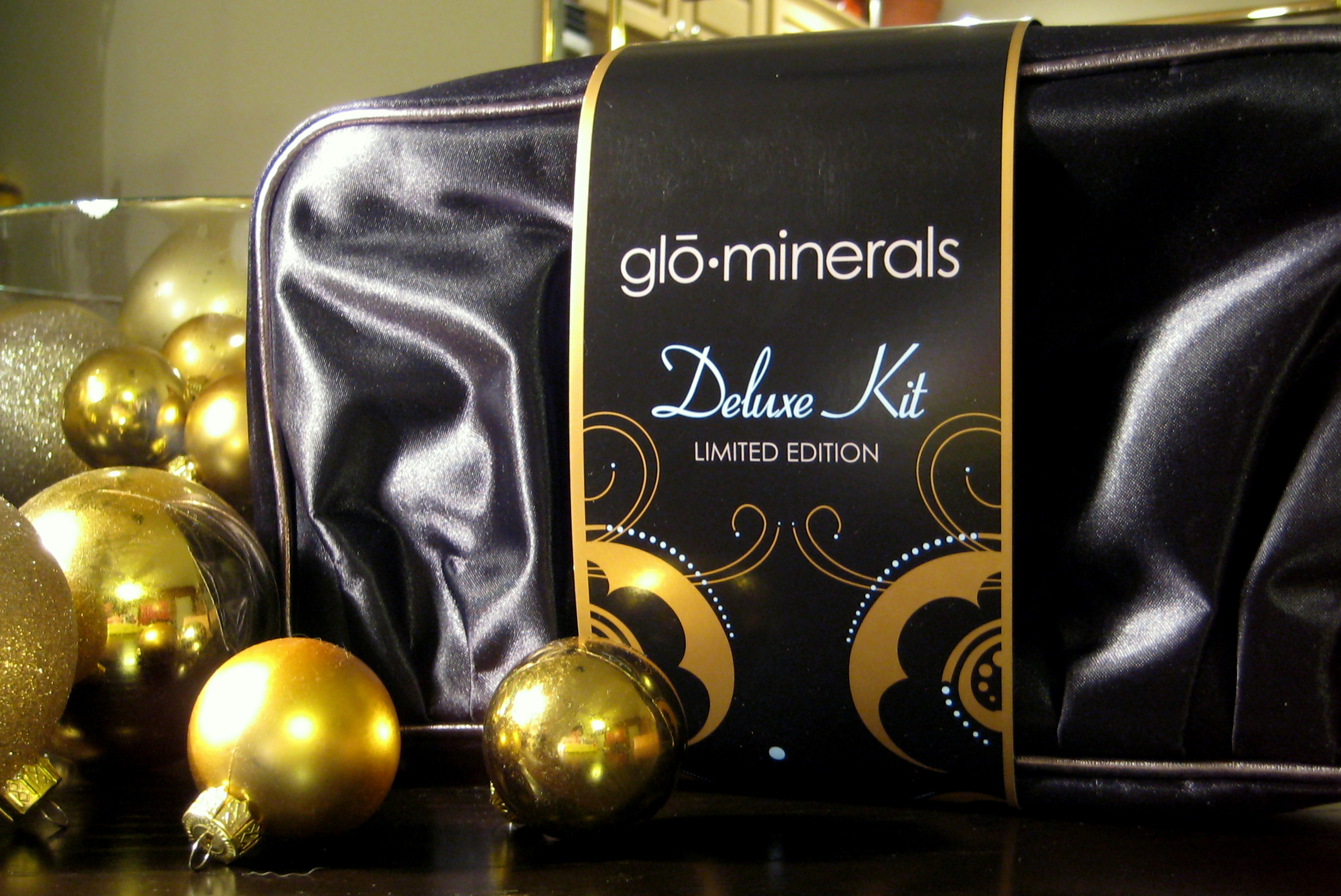 GloMinerals Deluxe Kit from iderma.com, Westlake Dermatology